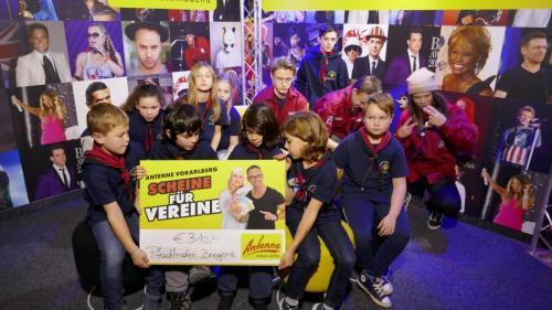 Gewinnübergabe bei Antenne Vorarlberg
